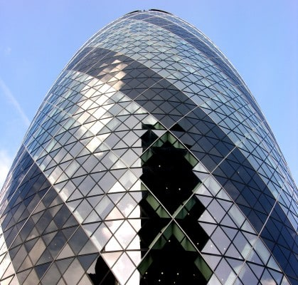 norman foster architectural style